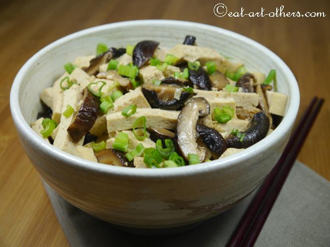 Gebratener Tofu mit Shitakepilzen