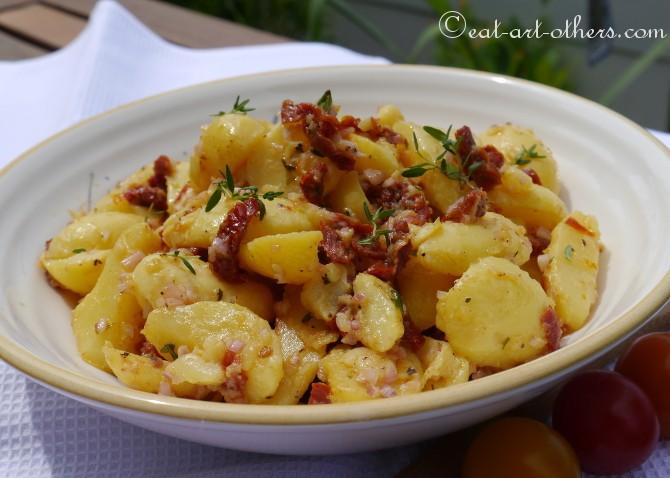 Kartoffelsalat mit getrockneten Tomaten 3